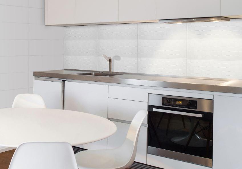 Azulejos de cocina blanco brillo y azulejos de ba o blanco for Cocina con azulejos blancos