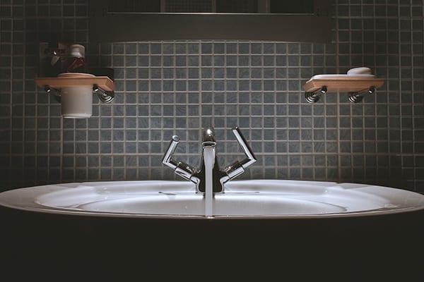 Trucos para escoger los azulejos del baño
